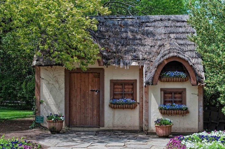 11 cool traditional irish cottage designs building plans for Traditional irish cottage designs